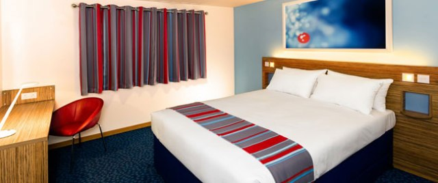 travelodge the strand liverpool